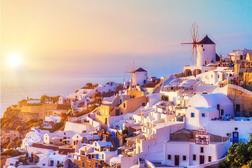 Santorini-Honeymoon-Best-Things-to-Do-Where-to-Stay-Kamari-Tours-Excursions