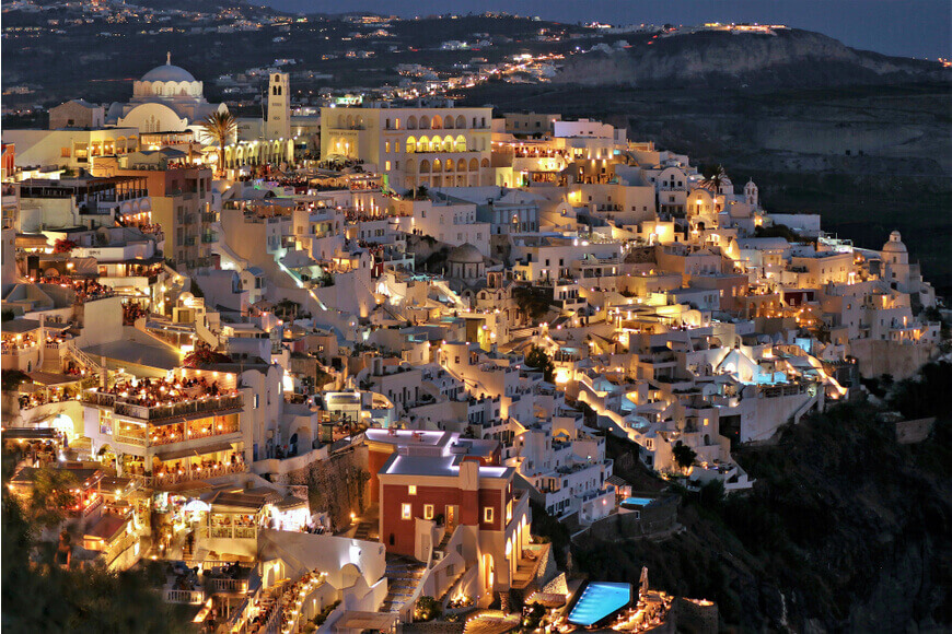 Santorini Nightlife The Best Bars & Nightclubs - Kamari Tours Excursions