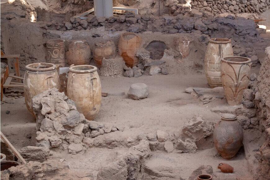 Akrotiri-Archaeological-Site-Kamari-Tours-Excursions