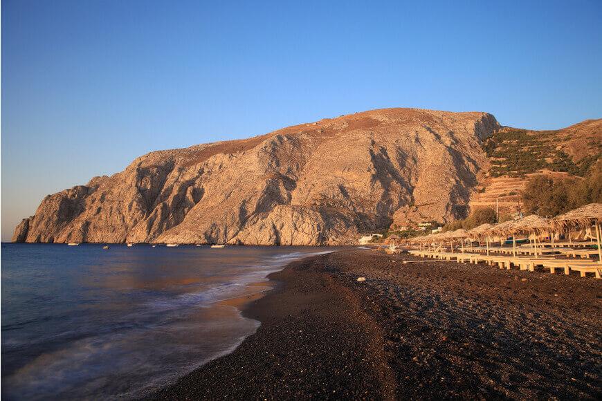 Kamari Black Beach - Mesa Vouno - Kamari Tours Excursions